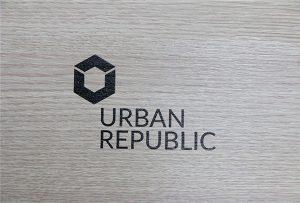 Logo utskrift på tre materialer av WER-D4880UV